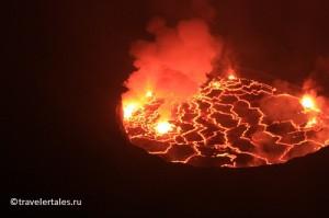 Вулкан-Конго-ночью