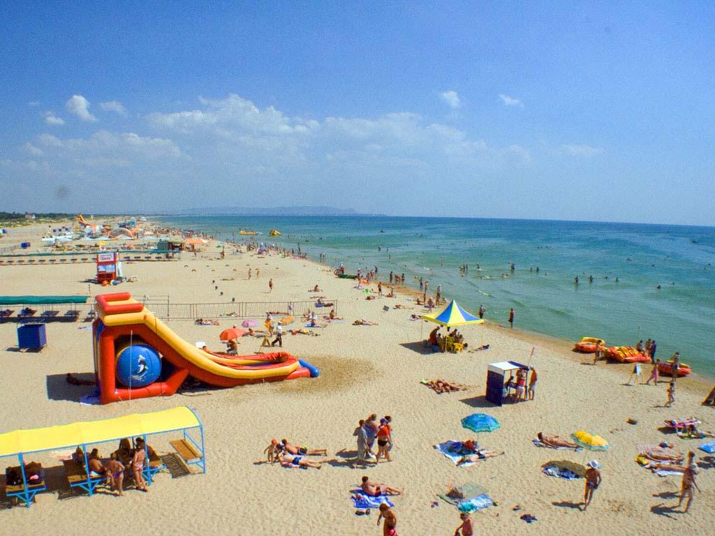 Пляжи п.Витязево под Анапой.
